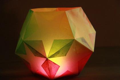 星の形が浮き出る正12面体のローソクシェード