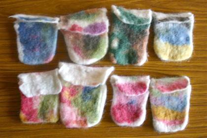 羊毛フェルトのポーチの作り方